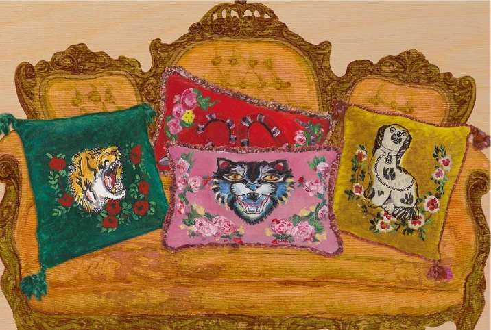 Velvet square and rectangular cushions