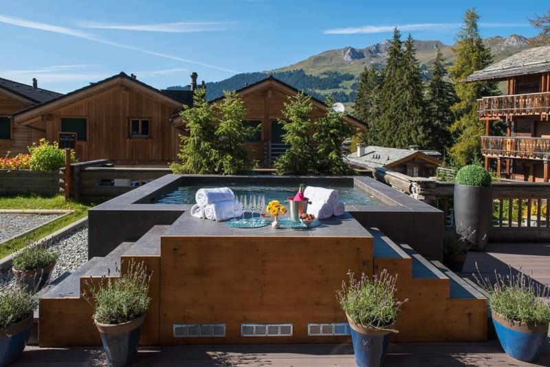 Verbier Lodge Switzerland - The hills are alive with the sound of clinking glasses and munching food