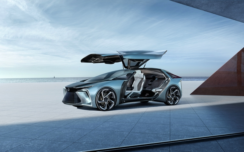 World Premiere of the LF-30 Electrified Concept 2019