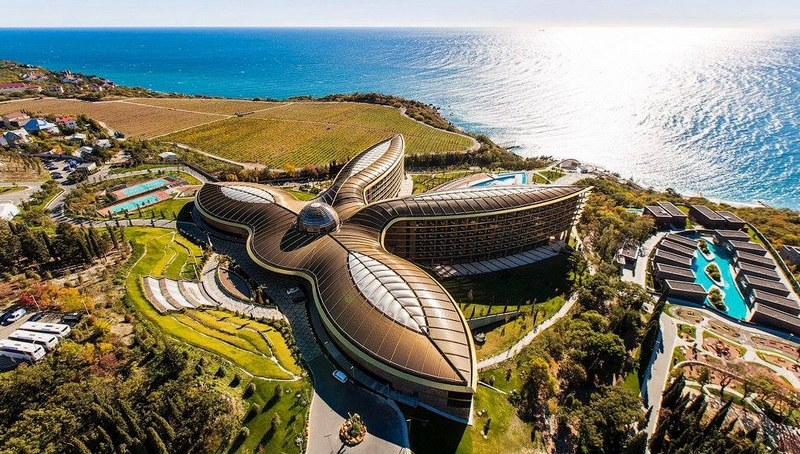 World-class Mriya Resort & Spa in Russia's #Crimea near Yalta was named World's & Europe's Leading Leisure Resort 2018