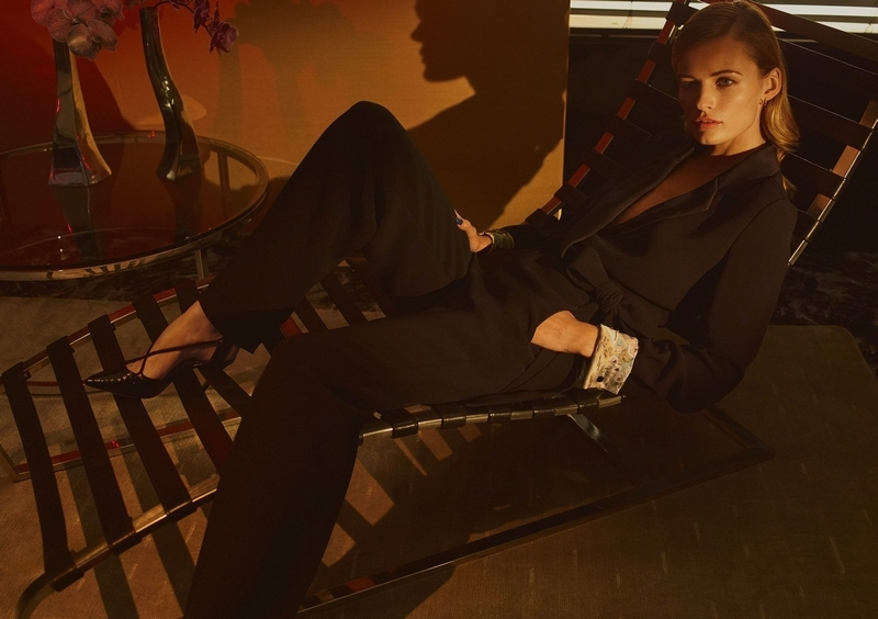 a special capsule collection that introduces Giorgio Armani's womenswear to NET-A-PORTER-