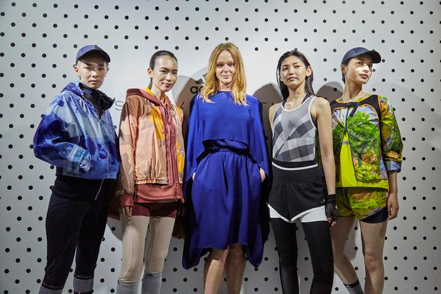 adidas by Stella McCartney presented the FallWinter 2017 collection-VR tech