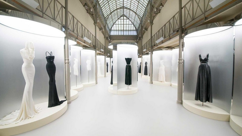 azzedinealaia-je-suis-couturier-exhibition-paris-france-2018