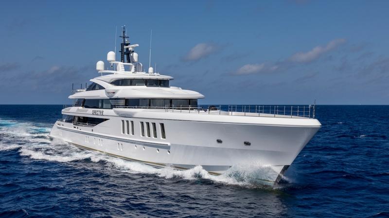 benetti spectre custom yacht