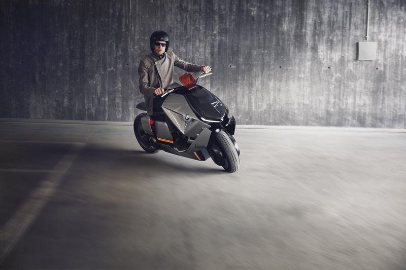 bmw-motorrad-concept-link-2017-driving