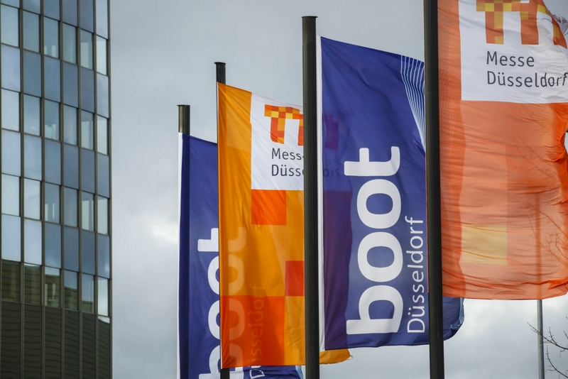 boot dusseldorf flags