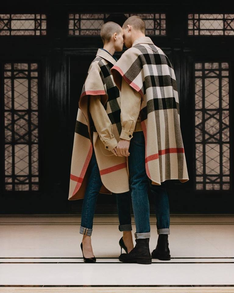burberry oversized check poncho 2018-2019