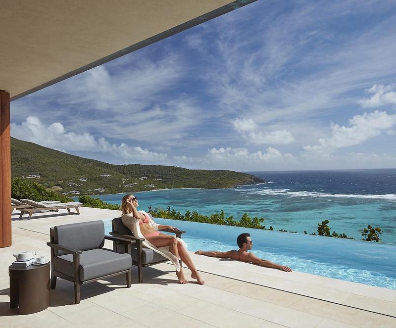 canouan-lifestyle-couple-patio-villa