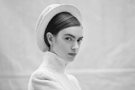 Chanel haute couture show proposes a new catwalk silhouette