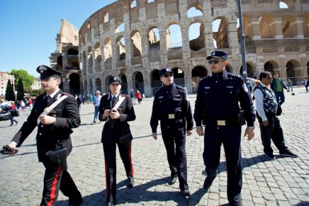 Italy seeks to reassure Asian tourists with imported Chinese police