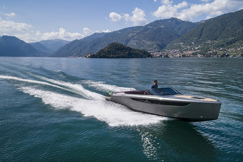 cranchi-e26 tender in collaboration with christiangrande-on the lake
