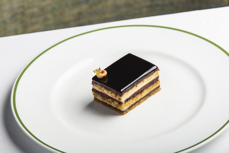 dessert-at-charlies-browns-hotel-photo-credits-to-charlie-mckay-1-jpg