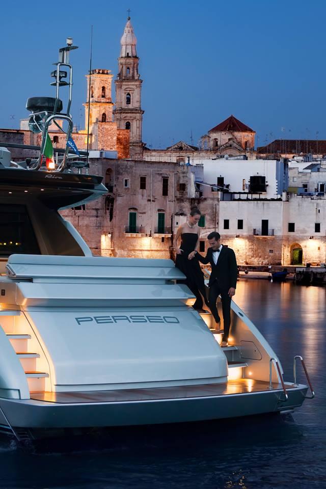 ferretti at montenapoleone Yacht Club-