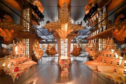Frédéric Malle's fragrance concept boutique in Marais. Look for the Supertitious – Alber Elbaz par Frédéric Malle