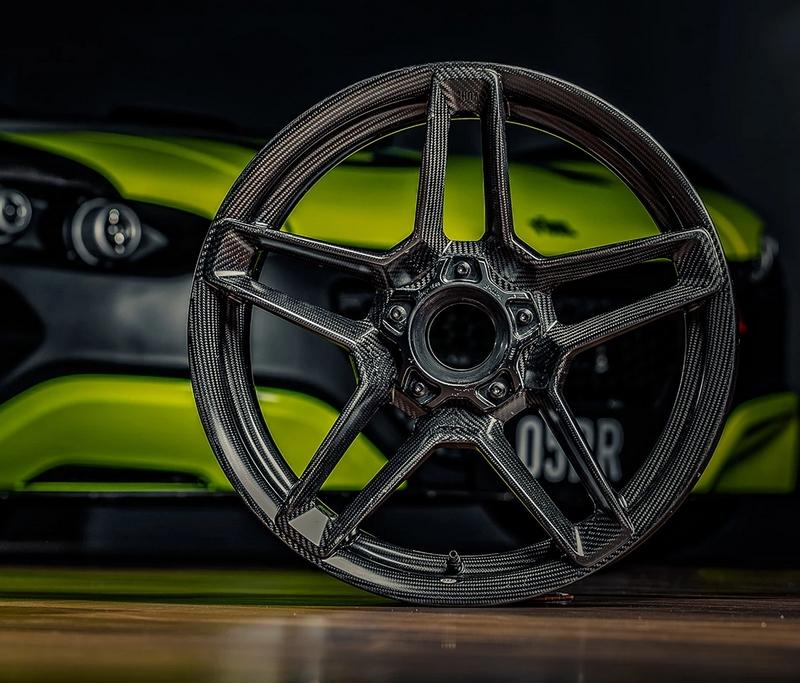 full carbon fibre wheel
