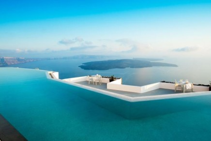 A new chapter in the life of Grace Santorini raises it to a new level of luxury