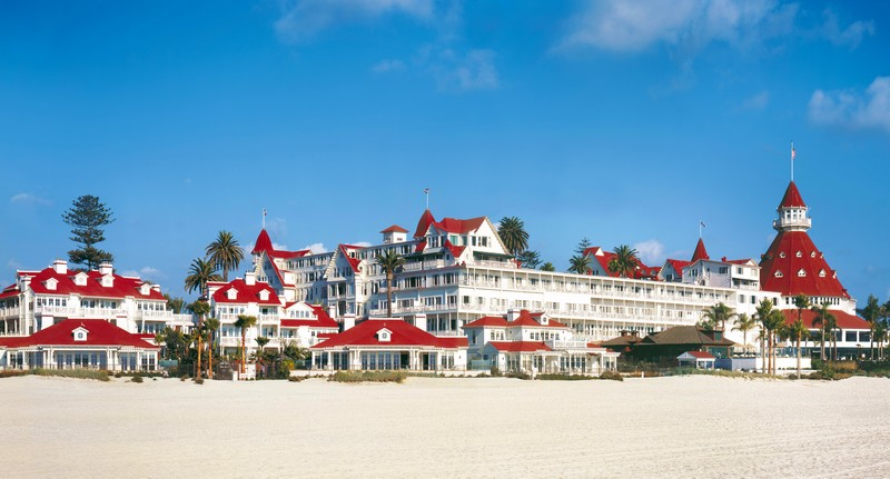 hotel-del-coronado-property-beach
