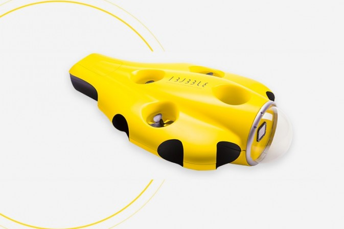 Enjoy your diving. this autonomous diving drone follows. It also works from the boat