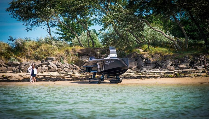 iguana yachts experiences on land and on the sea-