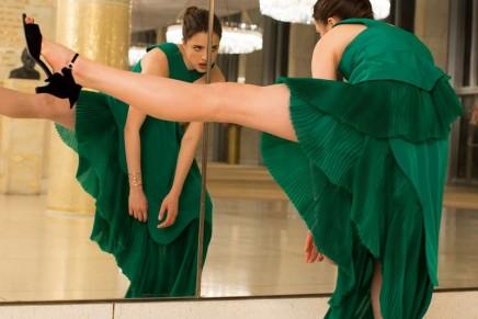Dare to dance like Margaret Qualley for KENZO World fragrance by Spike Jones