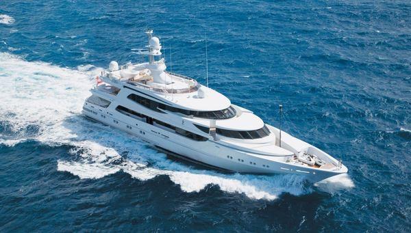 layzy Z yacht