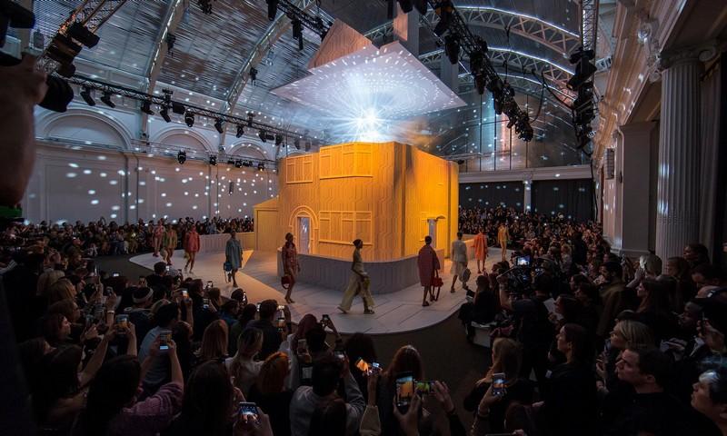 london fashion week spring summer 2018 fashion shows highlights