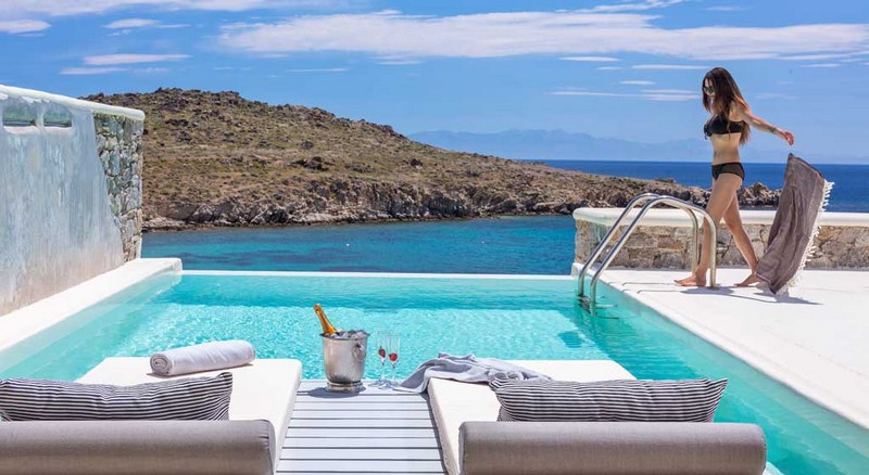 make a splash in Mykonos