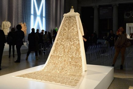 Met Gala 2016: couture and technology meet in cutting-edge fashion
