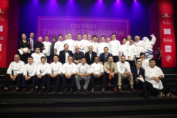 michelin guide singapoe third edition -A final photo of all the awarded chefs and restaurant owners