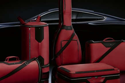 A guitar bag, a surf bag, a duffel bag and much more bespoke luggage to fit perfectly in this BMW 8 Series Coupé