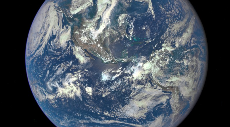 nasa epic earth image 2005