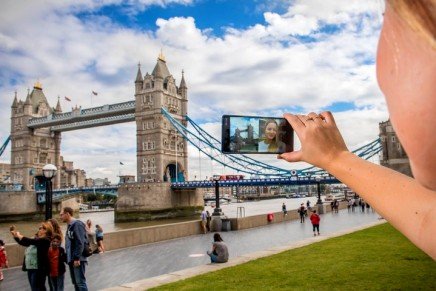 Nokia 8 hopes to beat Apple and Samsung with 'bothie', a new version of the selfie