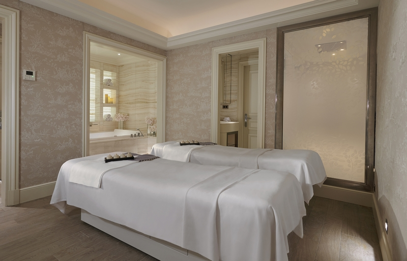 peaceful double treatment room