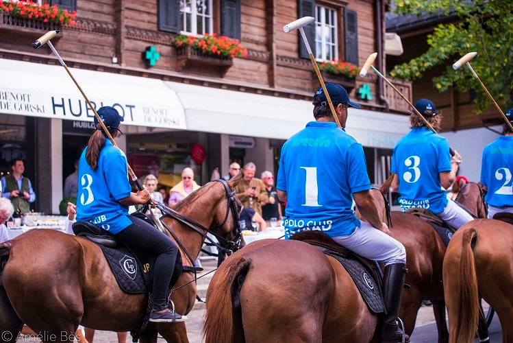 players parade in gstaad