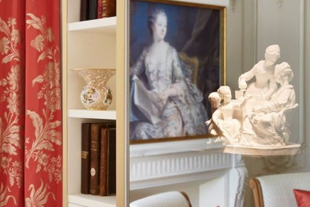 Splendid details are to be discovered in Le Meurice's new Pompadour Suite