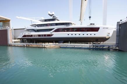 55 hybrid Quinta Essentia yacht: silent, efficient & exclusive