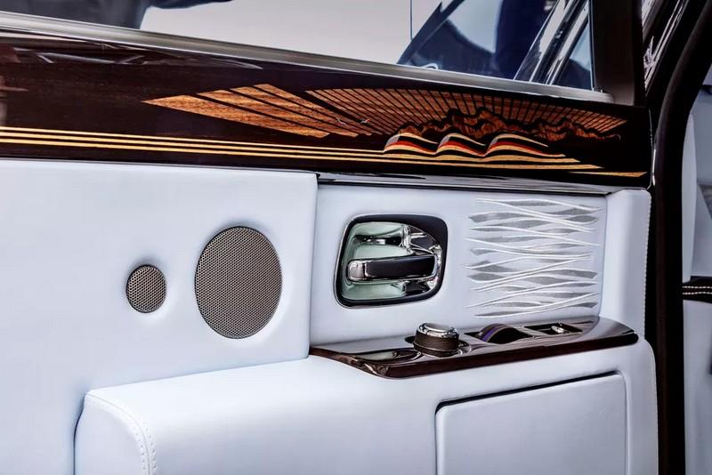 rolls-royce phantom VII car interior