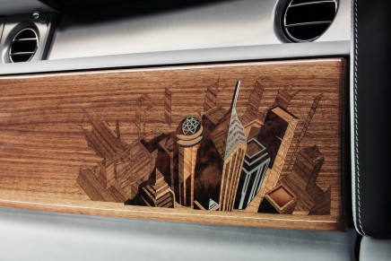 Hand-crafted design inspired by the modern metropolis: Rolls-Royce Phantom Metropolitan Collection Car