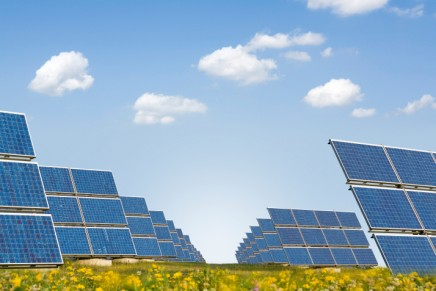 Solar power drives renewable energy investment boom in 2014