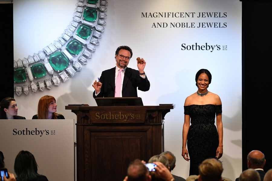 sothebys 2019 photos - Auctioneer David Bennett brings the hammer down on the sale of Magnificent Jewels and Noble Jewels in Geneva - 14 May 2019