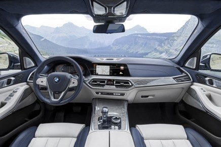 BMW presents BMW X7 – the first Sports Activity Vehicle (SAV) for the luxury segment