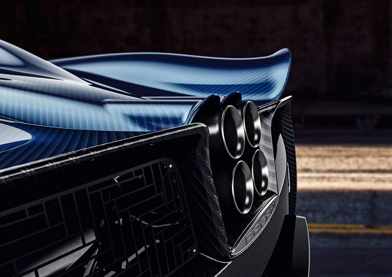 the new 2017 Pagani Huayra Roadster hypercar