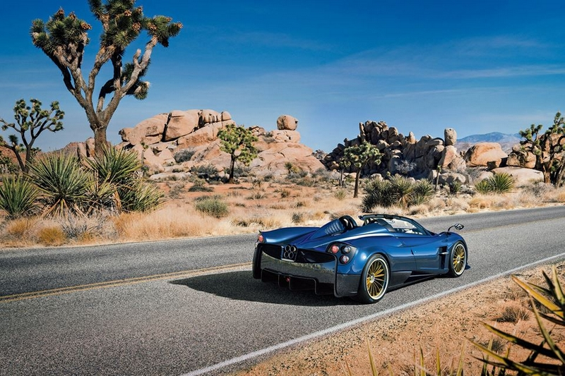 the new 2017 Pagani Huayra Roadster