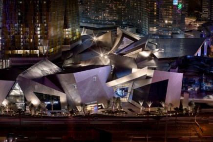 Las Vegas shopping guide: big spenders and bargain hunters welcome