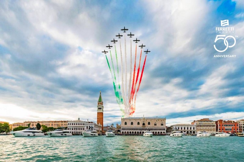 the spectacular show by the Frecce Tricolori in the Venetian sky at the Ferretti Yachts 50th anniversary event