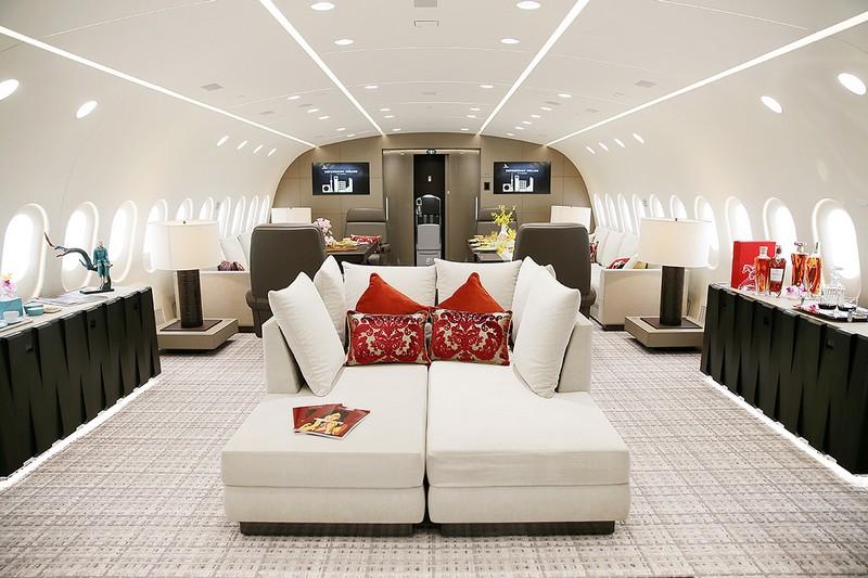 the world's first 787 Dream Jet - interiors