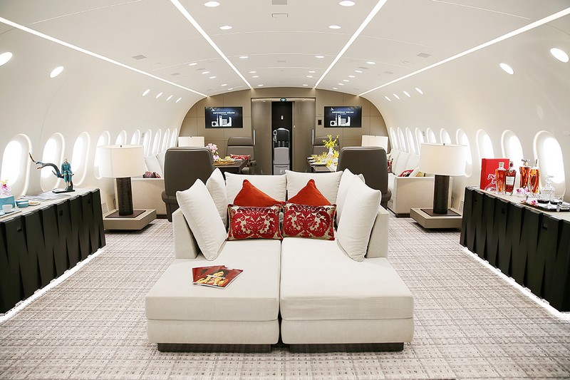 the world's first 787 Dream Jet - interiors