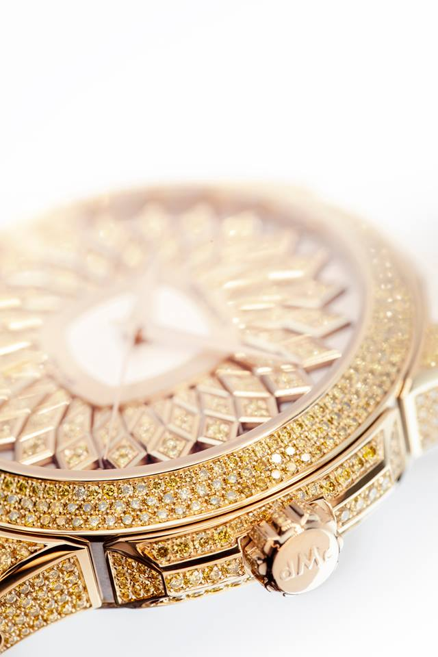 this piece of jewellery will bring charm and elegance to any feminine wrist