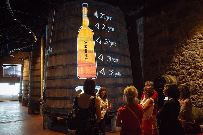 tour.calem wine barrels