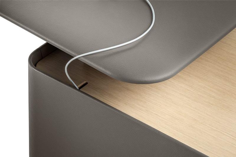 trust desk concealer